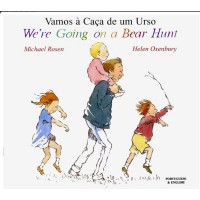 We're Going on a Bear Hunt in Albanian & English (PB)